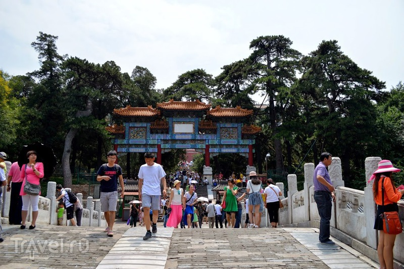 Пекин. Летний императорский дворец Ихэюань / Китай
