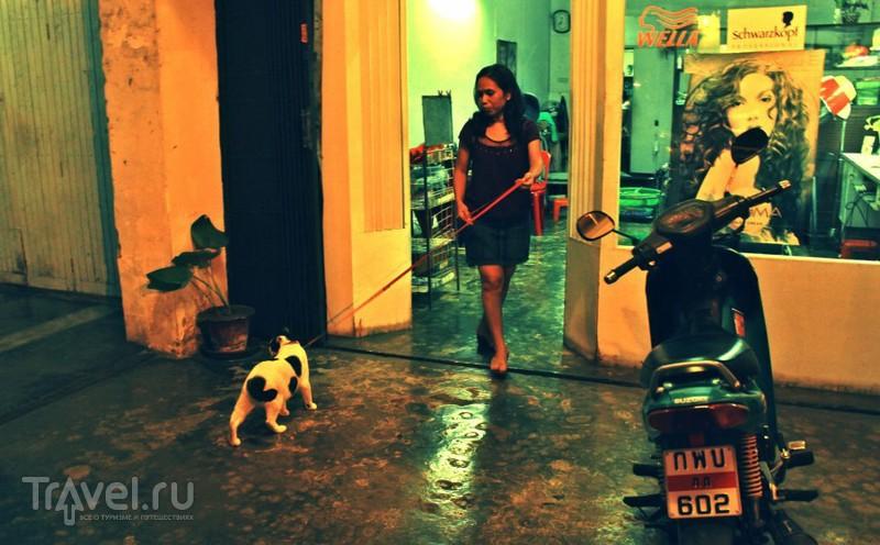Что делает Пхукет-Таун по ночам? / Таиланд