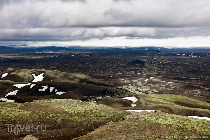 Чёрные берега Рейнисфьяра и кратеры вулкана Лаки / Фото из Исландии