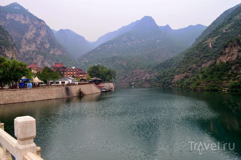 Пригород Пекина: Великая Китайская стена и ущелье Лунцинся / Китай