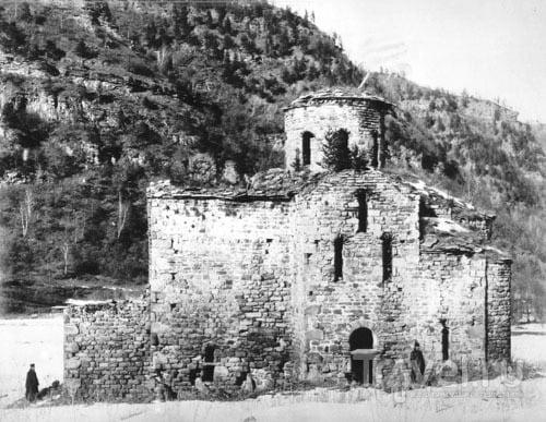 Аланские храмы Карачая: древнейшие церкви на территории России / Россия