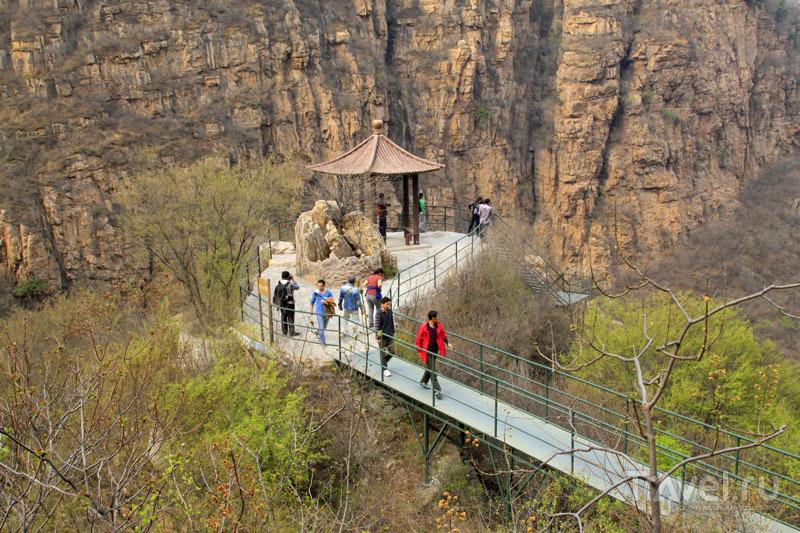 Туристы в Шилине / Китай