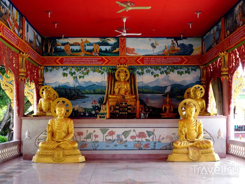 Алтарь в храме Саен-Сук-Ват / Таиланд