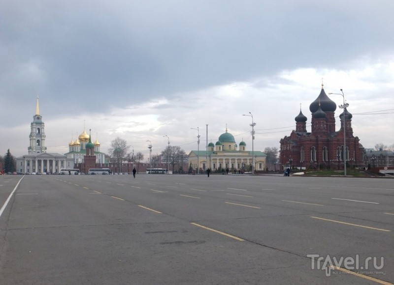 Город, похожий на ружьё / Россия