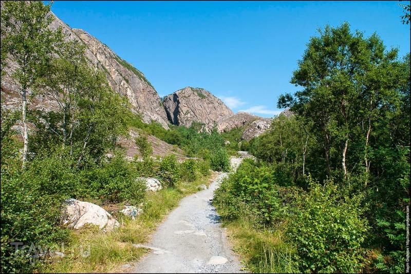 Around the Norge. Torghatten / Норвегия