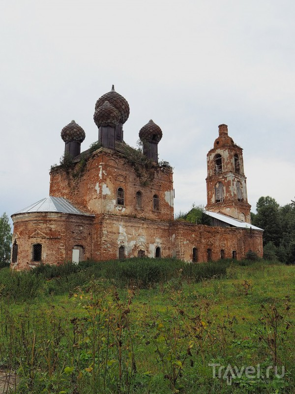 Богоявленская церковь в Семендяево / Россия