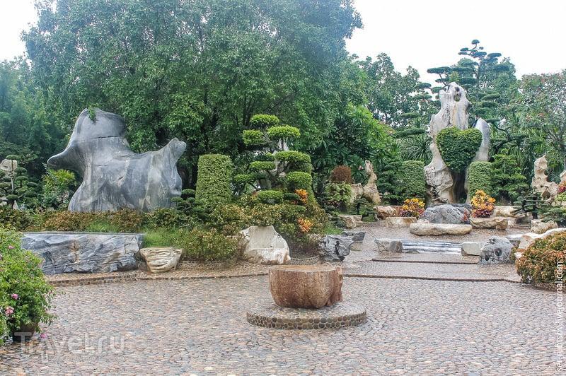 Сад, где можно посмотреть на камни / Таиланд