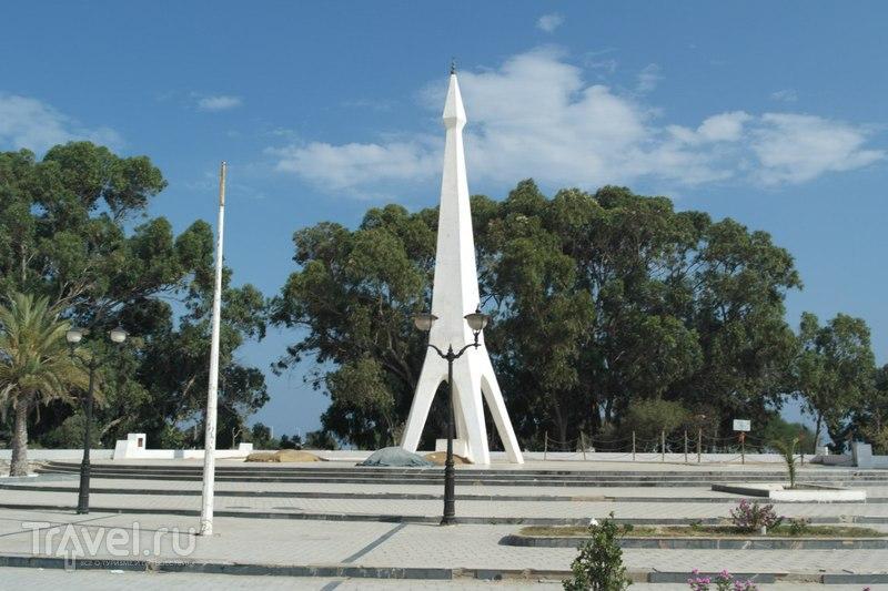 Хаммамет, Тунис - Медина и кладбище / Тунис