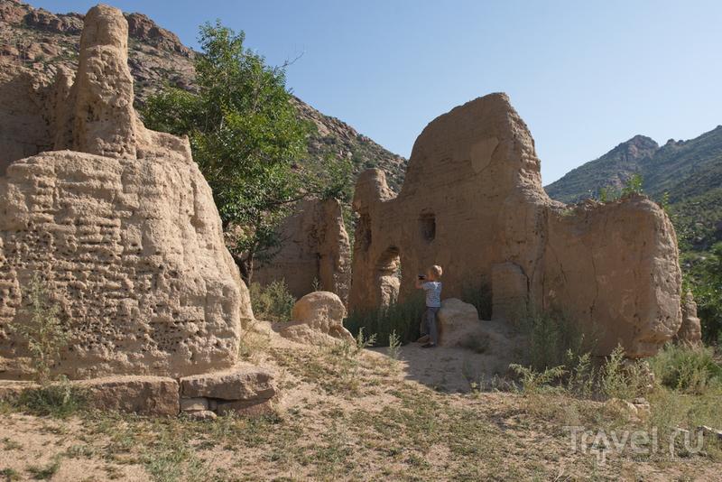 Тантрический монастырь Овгон Хийд в центре Монголии / Монголия