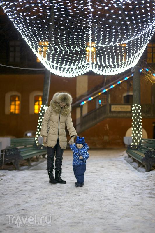 Ростовский кремль в Рождественскую ночь / Россия