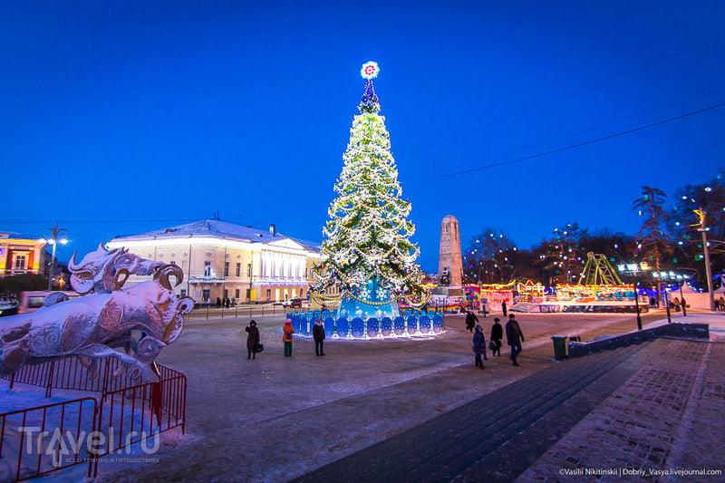 Вечерний праздничный Владимир. Или замерзший объектив / Россия