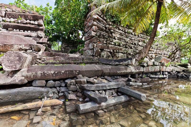 Древний каменный город Нан-Мадол / Микронезия