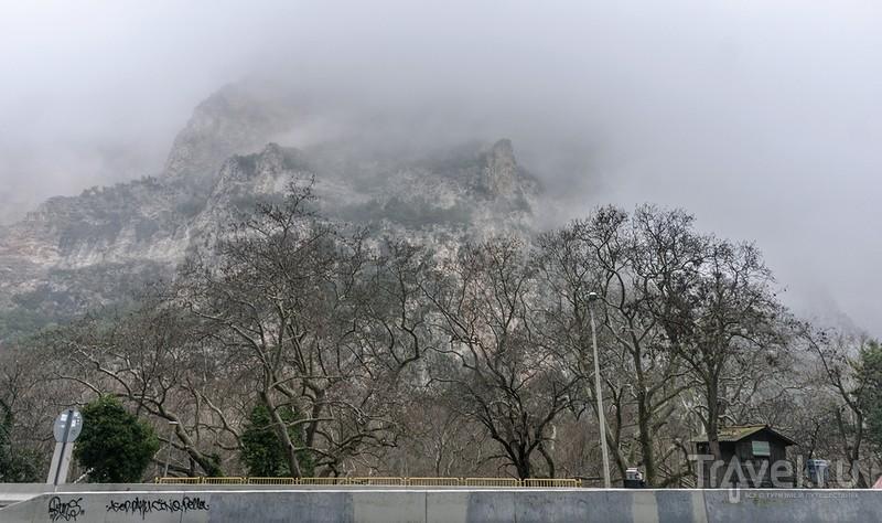 Куда приводит горная дорога в тумане? / Греция