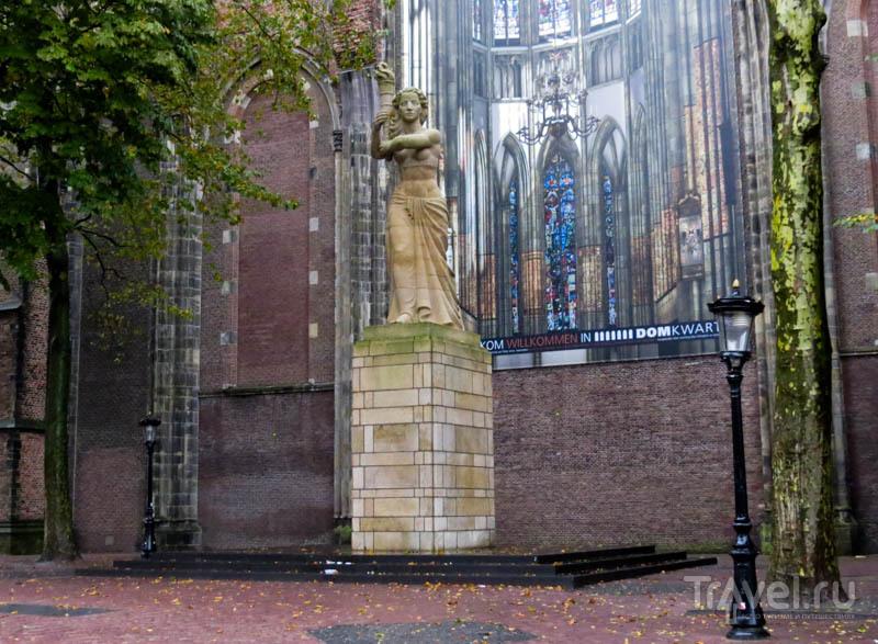 Стена кафедрального собора Святого Мартина в Утрехте, Нидерланды / Фото из Нидерландов