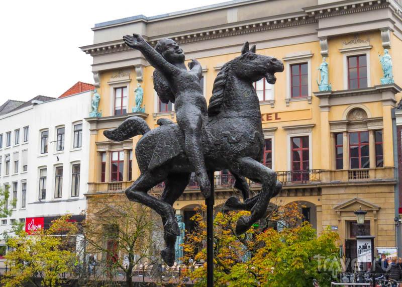 Скульптура в Утрехте, Нидерланды / Фото из Нидерландов