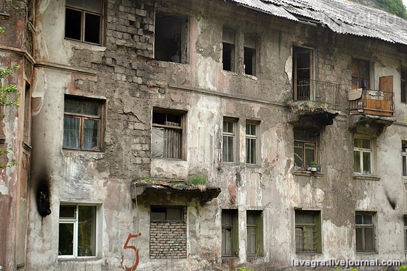 Чиатура - грузинский город с идеальными декорациями для фильмов ужасов / Фото из Грузии