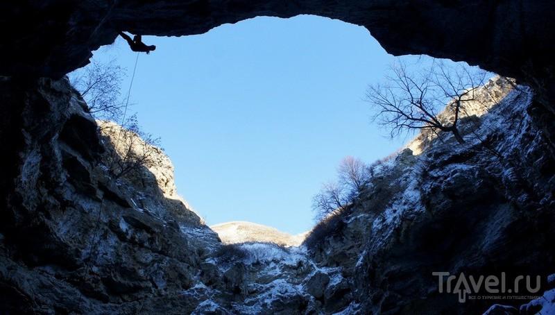 Башкирия, пещера Вертолётная (Ахмеровский провал) / Россия