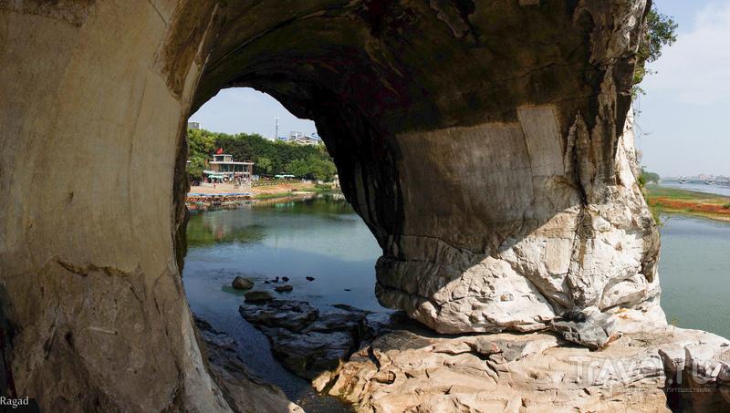 Китай:  Холм Слоновьего Хобота,  Гуйлин / Китай