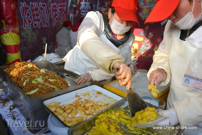 Китайский Новый год. Ярмарка в Дитань парке / Китай