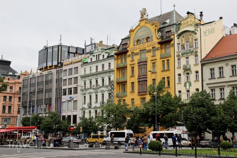 Вацлавская площадь - самая длинная площадь Праги / Чехия