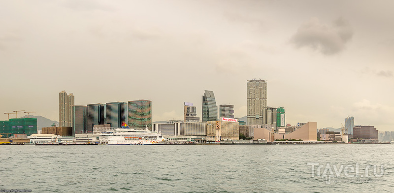 На пароме через бухту Виктория / Фото из Гонконга