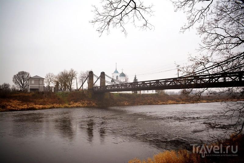 Остров, Псковская область, Россия: цепные  мосты / Россия