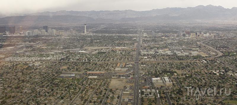В небе над Лас-Вегасом / США
