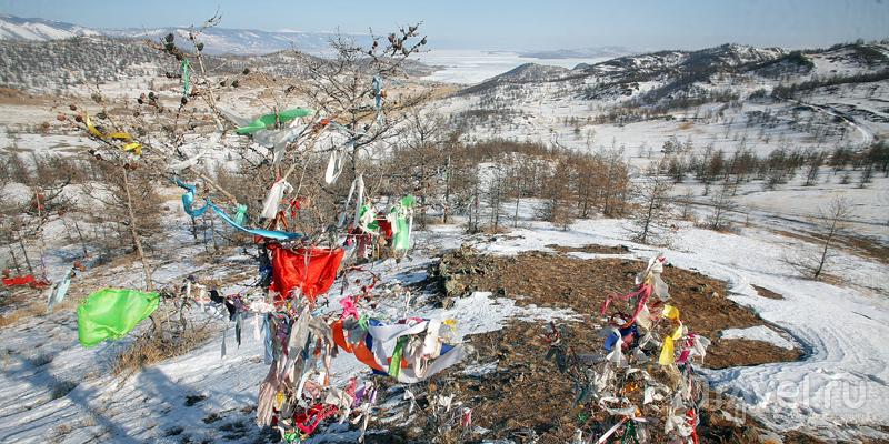 Ледовая переправа на остров Ольхон / Фото из России