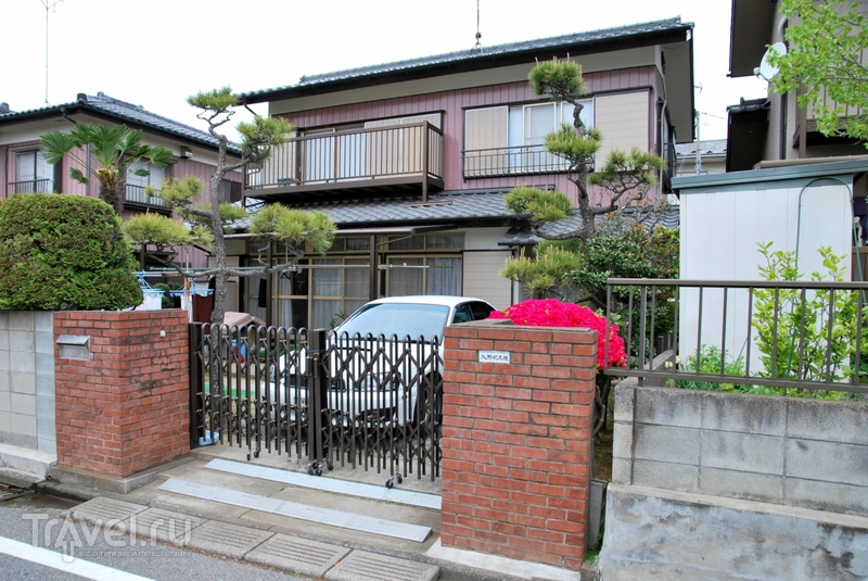 Японская деревня и кладбище / Япония