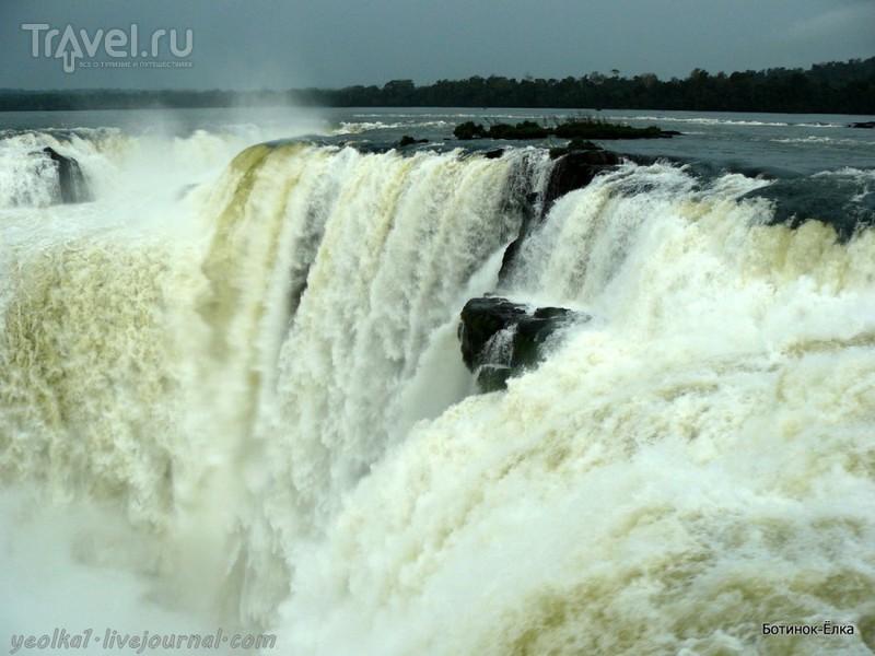 Un gran viaje a América del Sur. Водопады Игуасу. Аргентина. В Глотке Дьявола / Аргентина