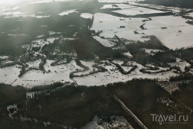 Земля под крылом самолета / Россия