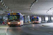 Автобусы в международном аэропорту Торонто