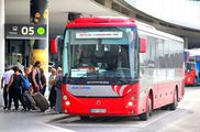 Автобус в международном аэропорту Вены