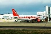 Самолет авиакомпании-лоукостера easy Jet