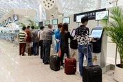 Пассажиры самостоятельно регистрируются в киосках