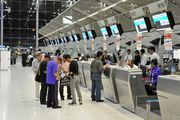 Очередь на регистрацию в аэропорту Suvarnabhumi в Бангоке