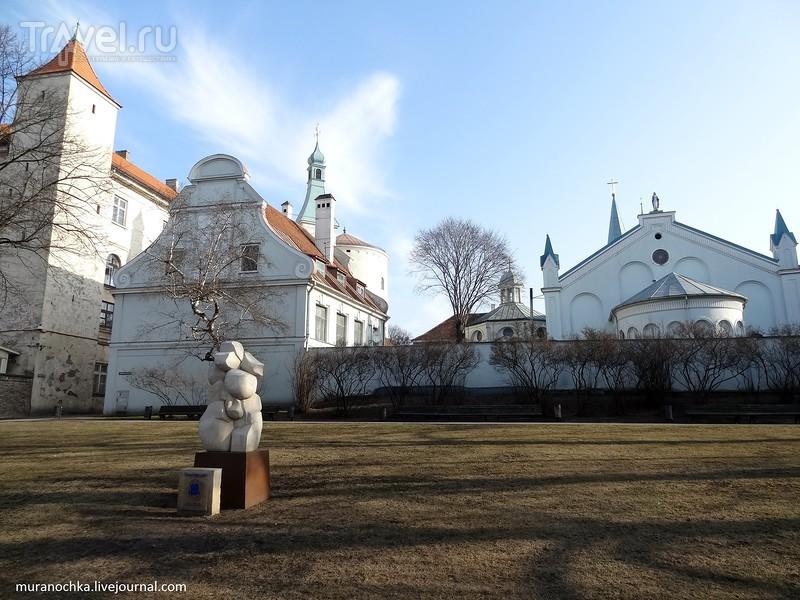 Прекрасная Рига: набережная Даугавы и много городских деталей / Латвия