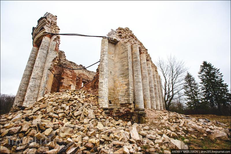 Церковь Святой Троицы в деревне Пятая Гора / Россия