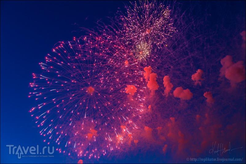Салют над Невой / Фото из России