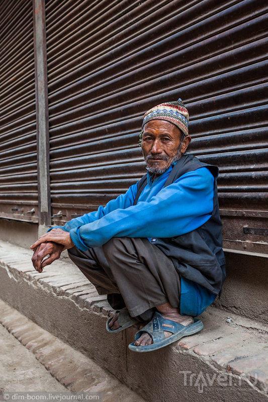 Новый 2072 год в Бхактапуре. Вечернее шоу / Непал