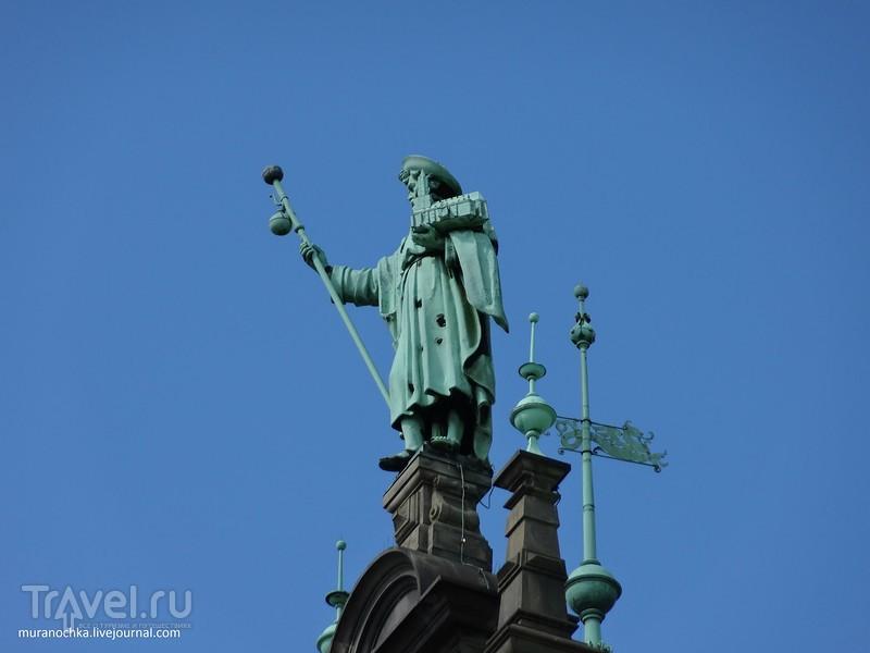 Гамбург: фонтан, памятник Гейне и много интересного на Ратушной площади / Германия
