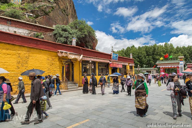 Самые святые места Лхасы: дворец Потала и храм Джокханг / Фото из Китая