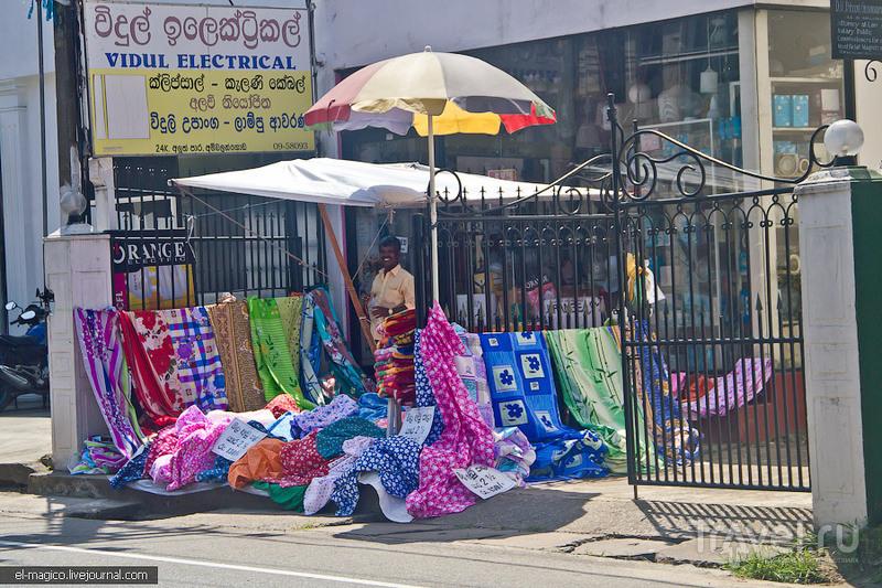 Один из самых-самых-самых длинных лежачих Будд на свете / Фото со Шри-Ланки