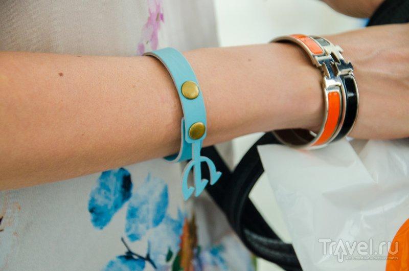 Клубный браслет с трезубцем / Фото из Китая