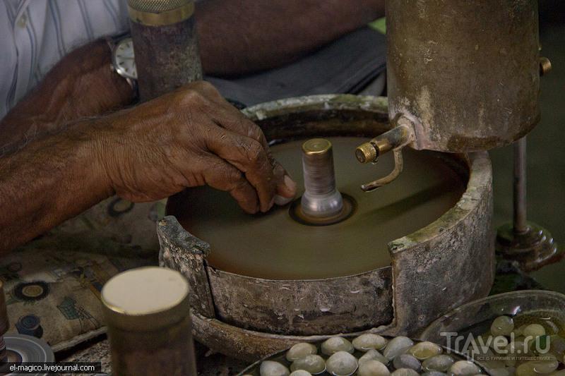 Без лоха - жизнь плоха. Шахта Лунного камня на Шри-Ланке / Фото со Шри-Ланки
