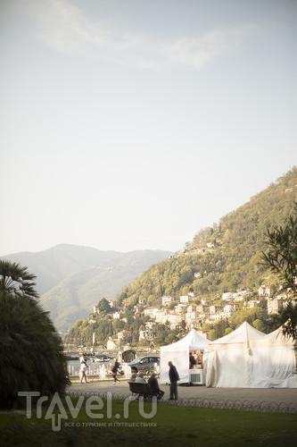 Солнечный день на озере Комо / Италия