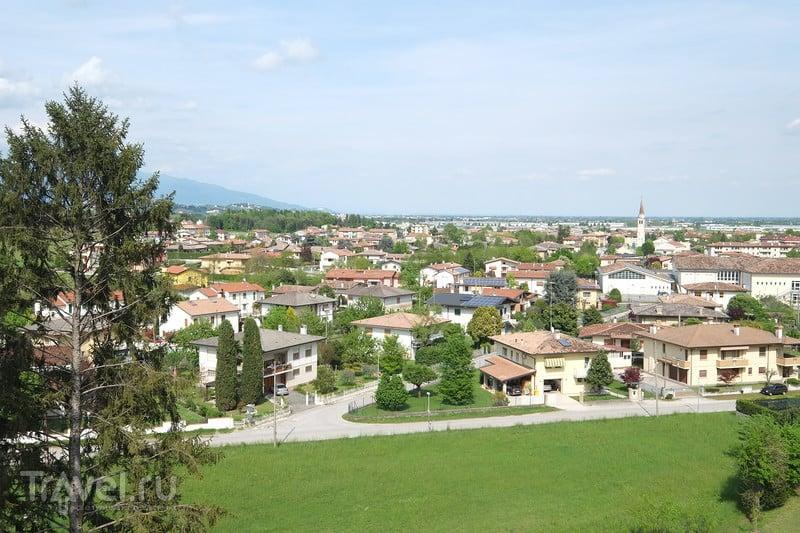 Италия, Кастелло-ди-Сан-Сальваторе в Сусеньяне / Италия