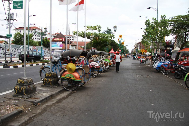 Путешествие по Индонезии: святыни Джокьякарты / Индонезия