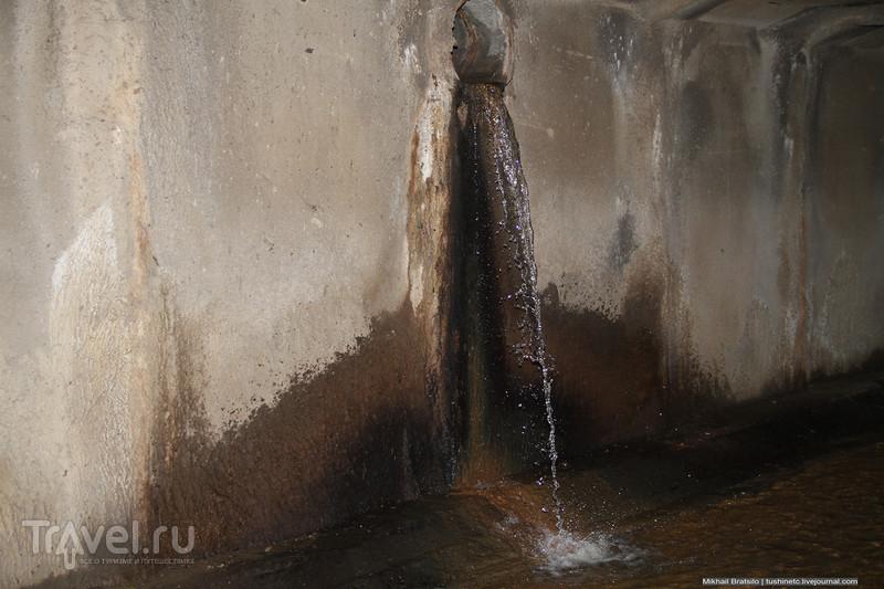 Заброс в подземную реку Неглинку / Россия