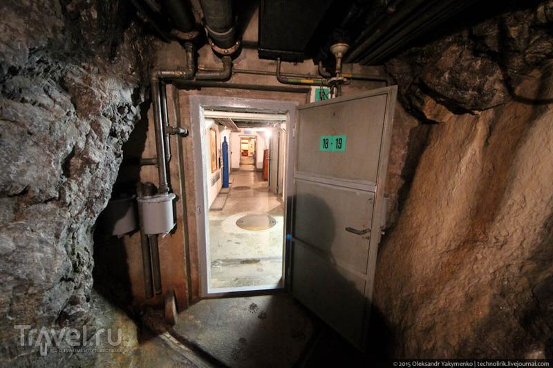 Крепость Фьюриген - подземный городок, построенный внутри скалы на берегу Люцернского озера / Швейцария